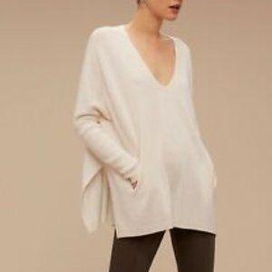 Aritzia Babaton Baylor V- Neck Sweater EUC S/M